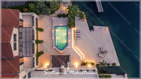 Luksuzna vila na samoj obali mora - Risan, Kotor