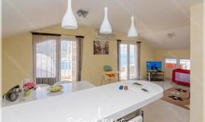 Dvosoban stan u novogradnji sa pogledom na more – Dobrota, Kotor
