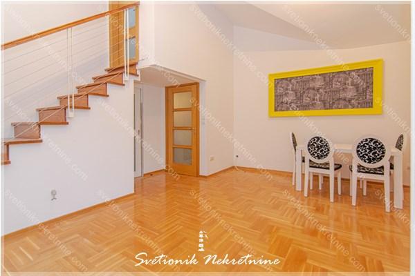 Na prodaju, dvosoban stan smesten u stambenoj zgradi novije gradnje na Toploj 2.
