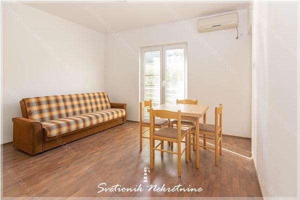 Prodaja stanova hercegnovska rivijera - Jednosoban stan na obali mora, idealan za letovanje ili turisticko izdavanje, Djenovici