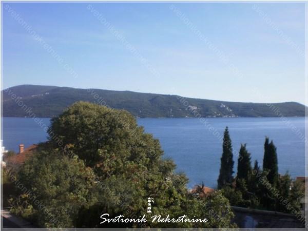Prodaja stanova Herceg Novi - Stan sa pogledom u neposrednoj blizini mora, Savina