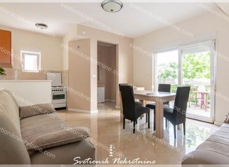 Prodaja stanova Herceg Novi - Jednosoban stan u neposrednoj blizini mora, Topla 1