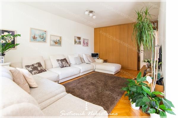 Prodaja stanova Herceg Novi - Dvosoban stan u blizini mora, centar Igalo