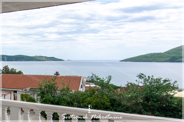 Prodaja stanova Herceg Novi - Trosoban stan sa pogledom na more, Igalo