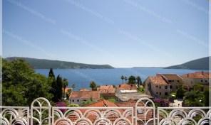 Kuca sa prelepim pogledom na 100m od mora – Savina, Herceg Novi