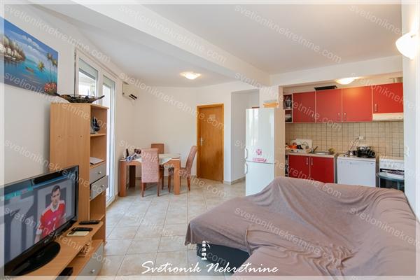 Prodaja stanova Herceg Novi - Juzno orijentisan dvosoban stan, Igalo