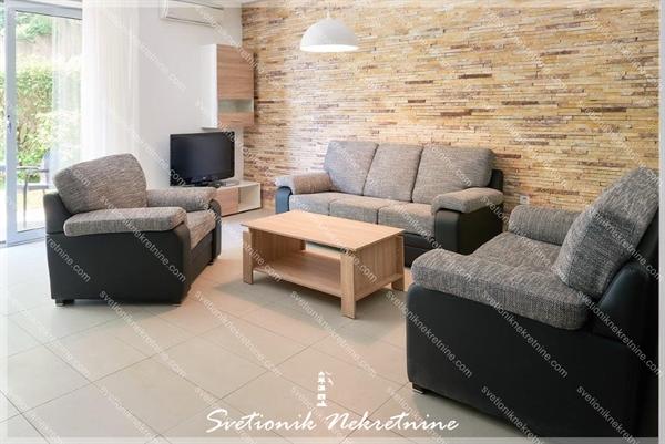 Prodaja stanova Herceg Novi - Luksuzan jednosoban stan sa bazenom, Savina