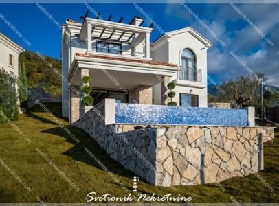 Luksuzne nekretnine Tivat - Vila sa bazenom, Kavac