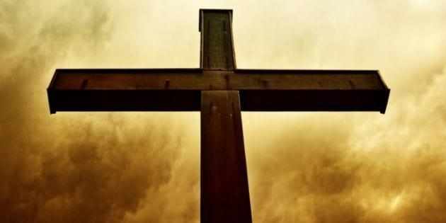 7188-cross_wood_brownish%20backgnd.630w.tn Cristianismo: Como Surgiu o Cristianismo?
