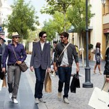 Madrid Community of Madrid Private Tour: Madrid Outlets with Style 29085P17