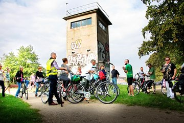 Private Berlin Wall and Third Reich History 3-Hour Bike Tour