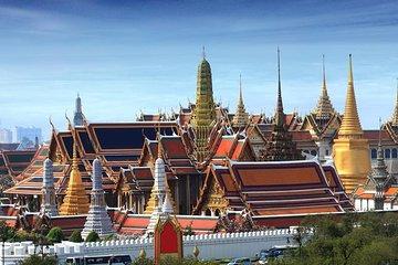 Half Day Royal Grand Palace and Bangkok Temples Group Tour