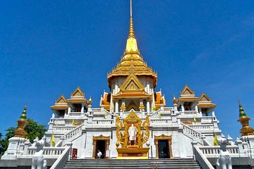 Bangkok private tour with tour guide and minivan