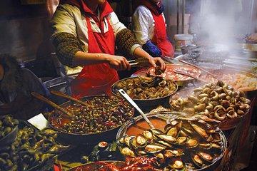 Famous Thai Street Food Tasting Experience!