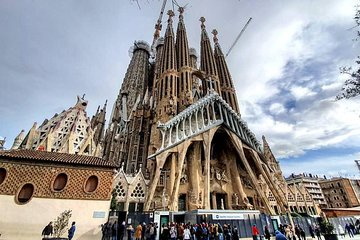 Barcelona Gaudi Combo : Sagrada Familia & Casa Batllo Guided Tour