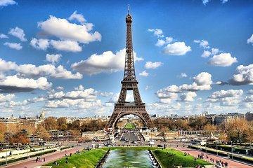 Eiffel Tower Photographer, Professional Photo shoot - Paris
