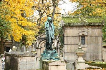 Paris Père Lachaise Cemetery: Famous Graves of Paris Walking Tour