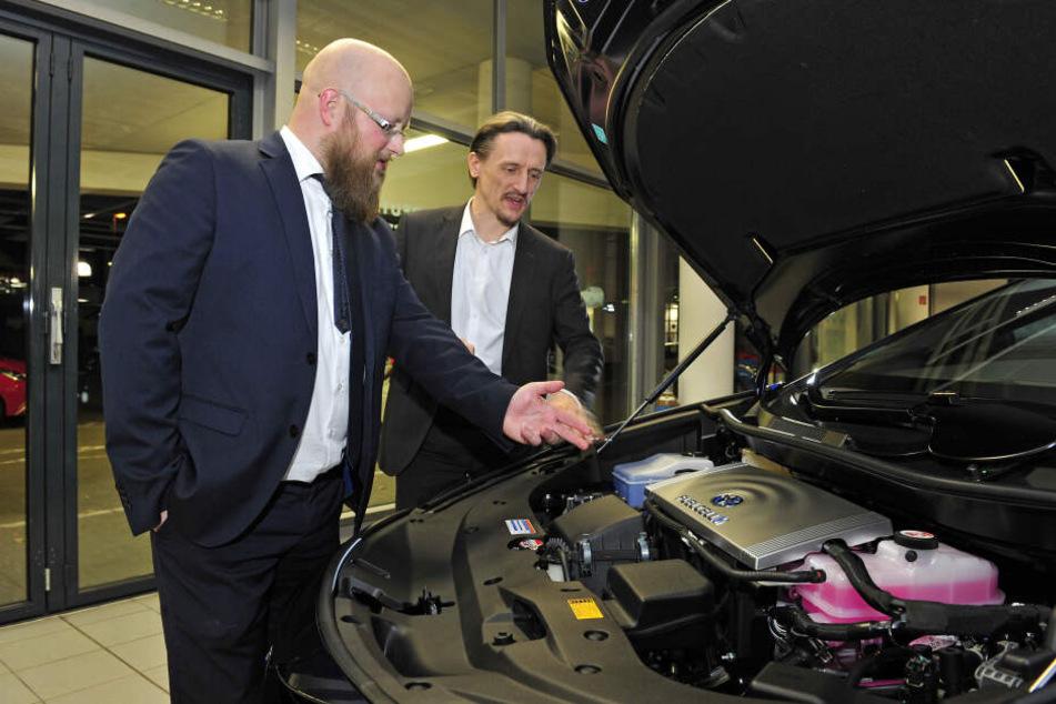 Chemnitz: Erstes Auto rollt mit Wasserstoff durch Chemnitz