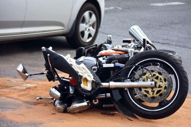 Der Biker krachte mit einem VW zusammen. (Symbolbild)