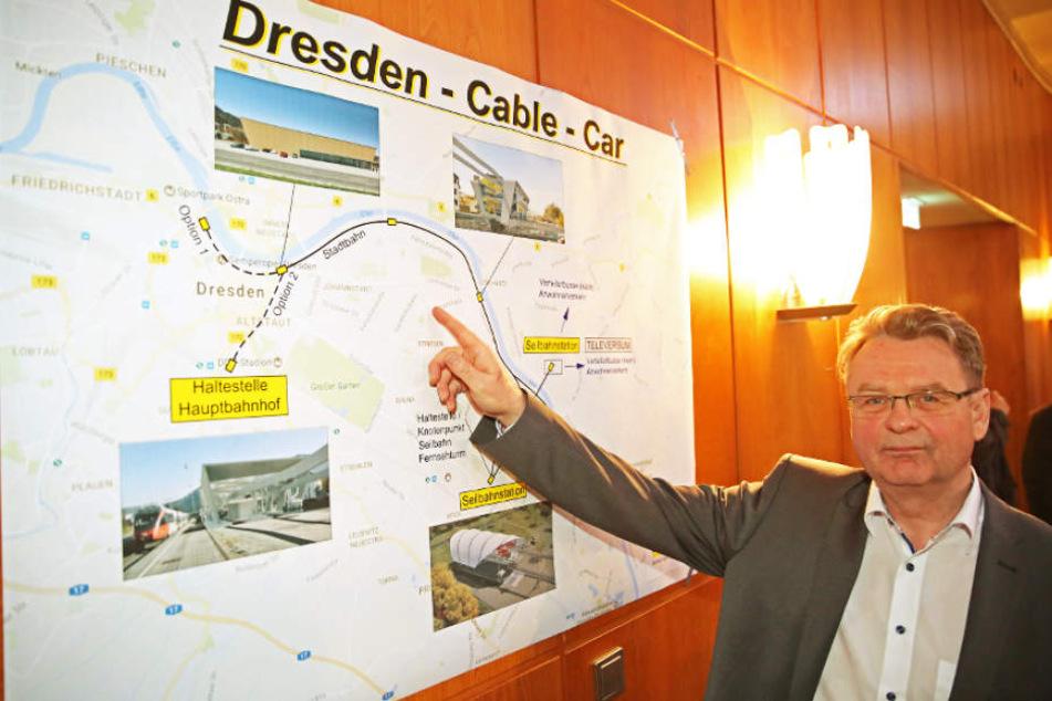 Ingenieur Hendrik Gaitzsch (55) vor seinem kühnen Plan.