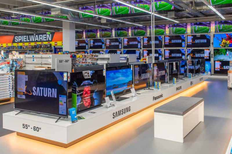 Large consumer electronics stores in Saxony remain closed.