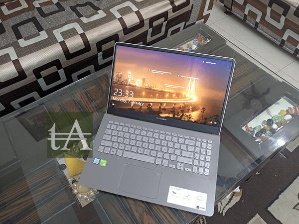 ASUS VivoBook S15 S530U Top