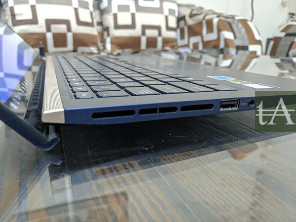 Asus Zenbook 15 UX533F Vents