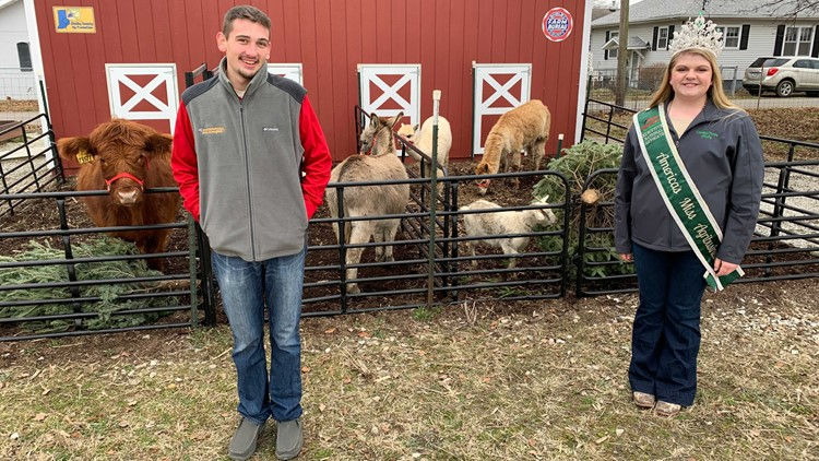 Shelby County Mobile Petting Zoo Hopes For Wild Expansion In 2021 Wthr Com