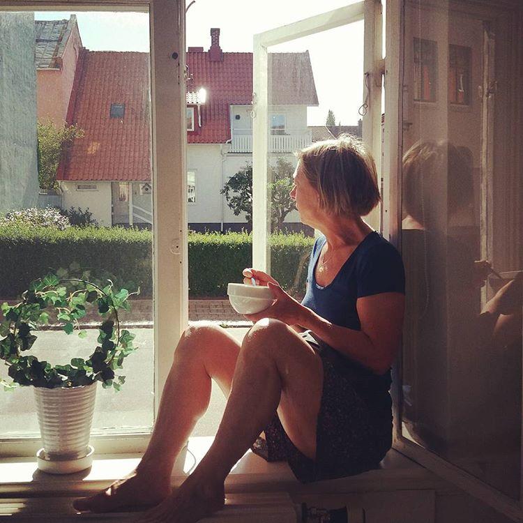 Fönsterfrukost #semesterkänsla #minmammaärrebell
