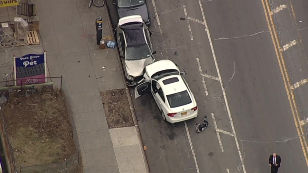 [NY] Chopper 4 Over Fatal Crash in Brooklyn