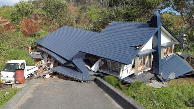 Devastador terremoto sacude Japón