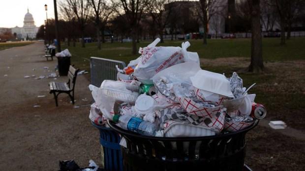 Cierre parcial del Gobierno pone a Washington DC como un basurero