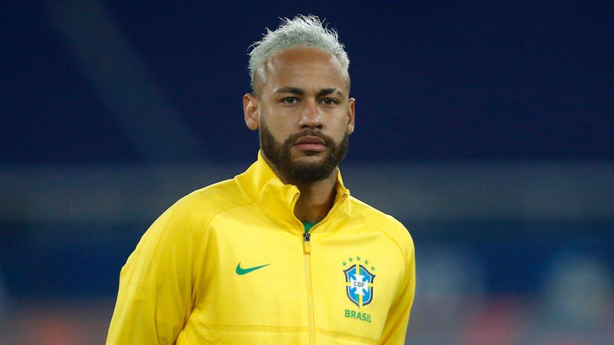 Neymar closes in on Pele's goal record for Brazil