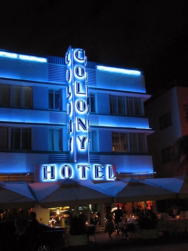 hotel colony ocean drive miami beach