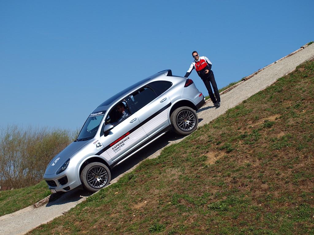 Porsche Experience Center - porsche cayenne hill control