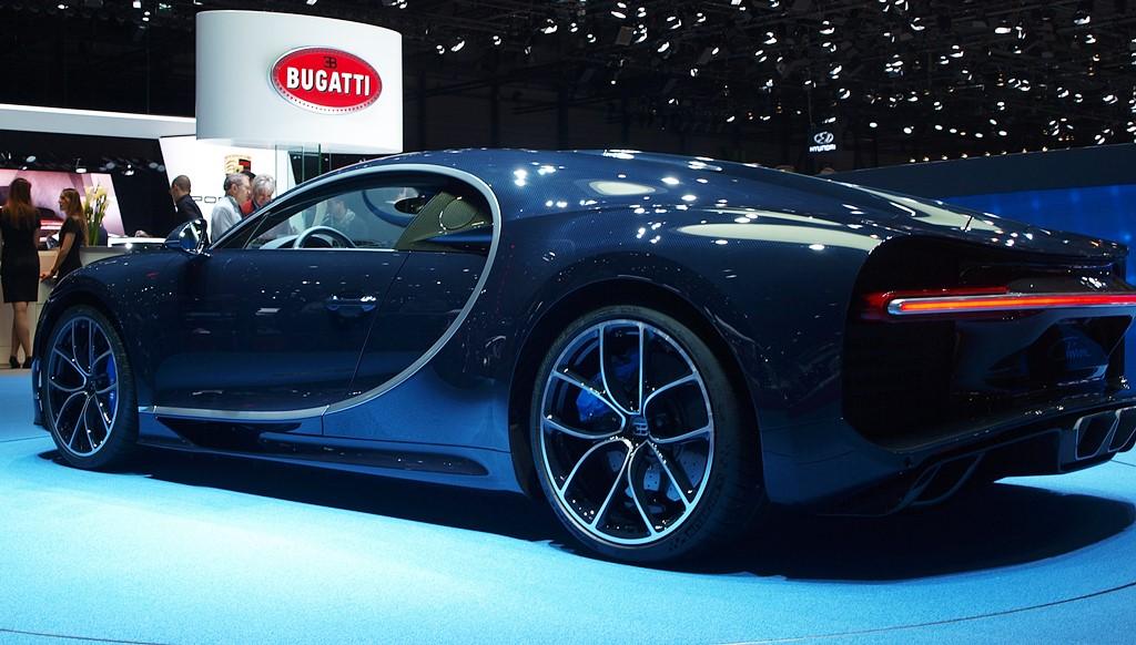supercars bugatti chiron 2017
