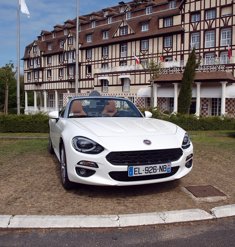 fiat 124 spider hôtel du golf Barrière