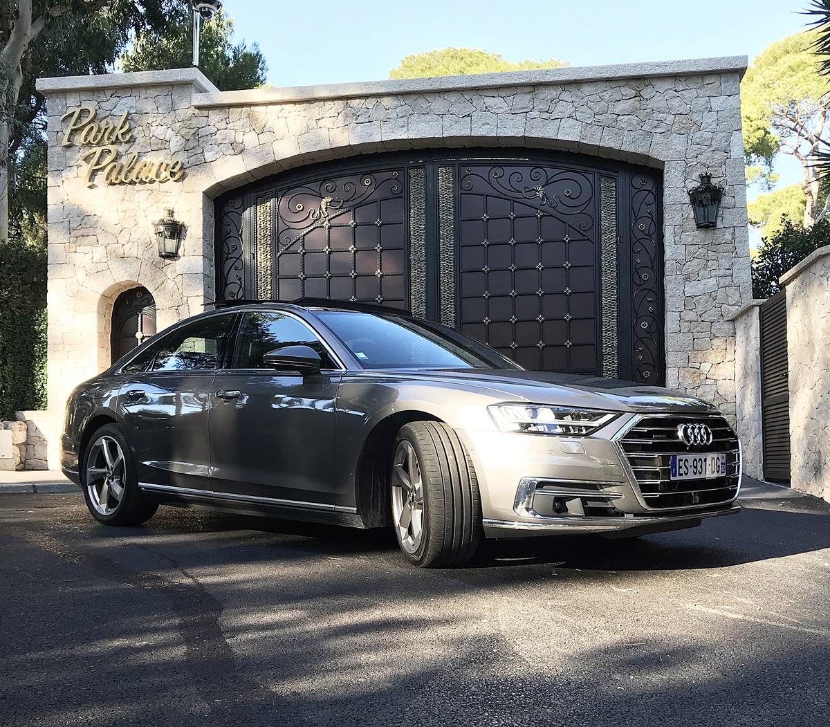 Audi A8 Park palace