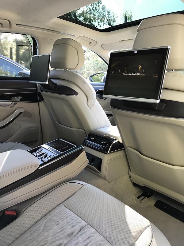 Audi A8 place arriere
