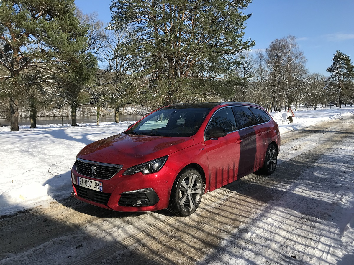 Peugeot 308 sw rouge ultimate
