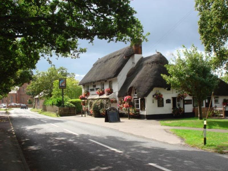 Three Tuns Gastro Pub Restaurant Christchurch Dorset