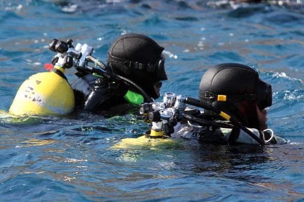 Bajo el agua no se admiten fallos: buceadores militares españoles, sacrificio y precisión en un entorno hostil 6
