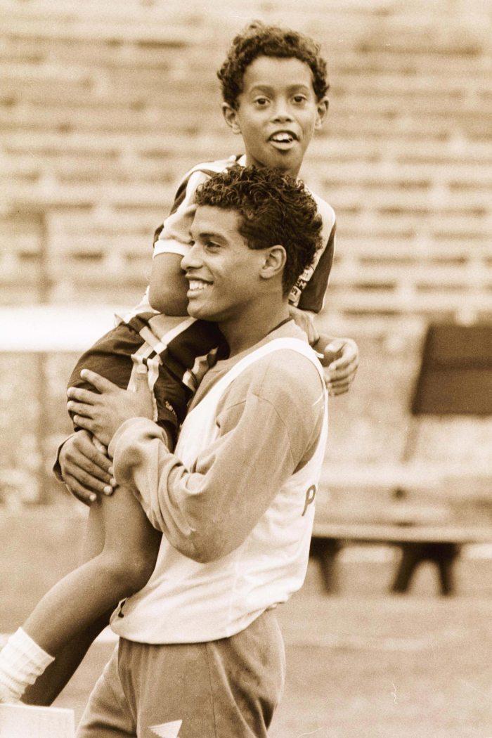 Ronaldinho gaúcho e seu irmão Roberto