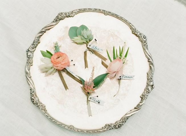 romantiskt utomhusbröllop i rosa