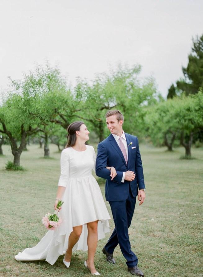 romantiskt utomhusbröllop i frankrike