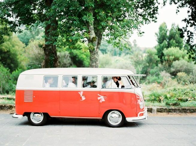 folkabuss som bröllopstransport