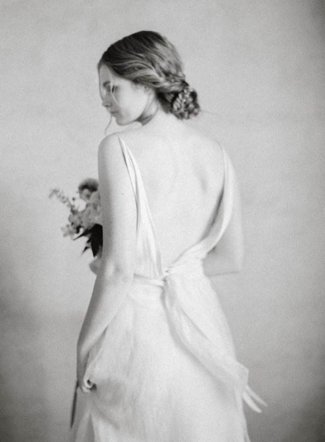brudklänning med öppen rygg