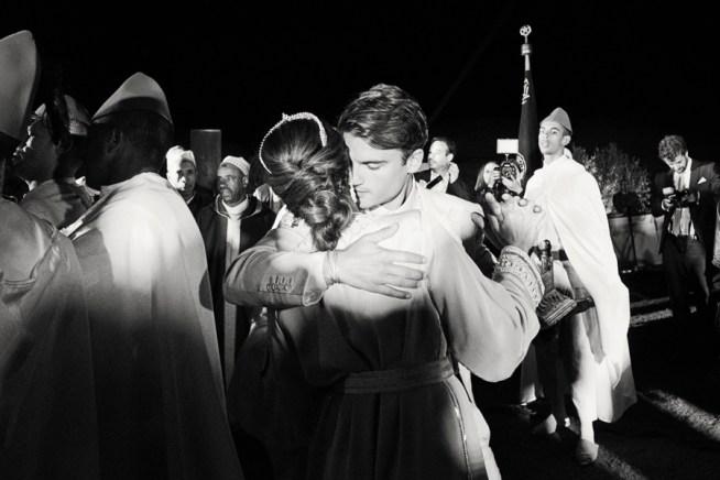 Sofia & Alex bröllop i den Marockanska öknen fotograferat av 2 Brides Photography