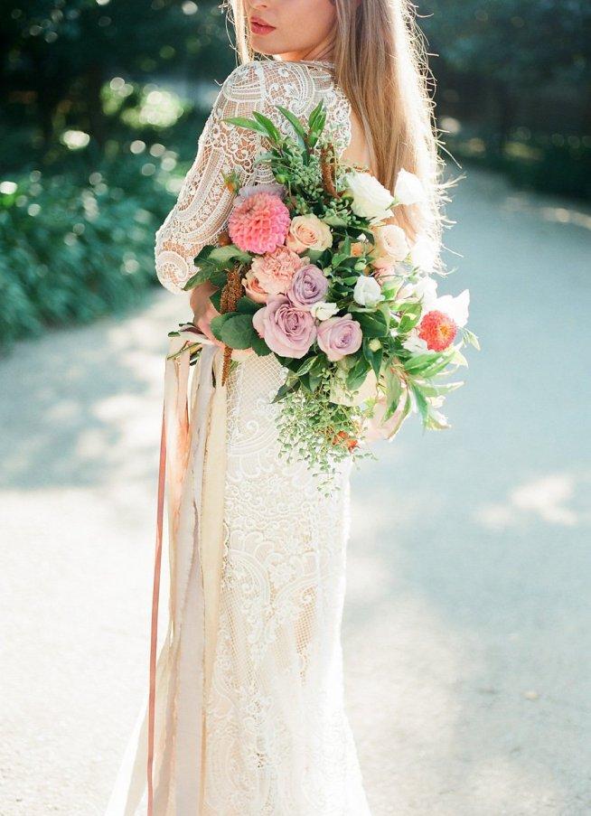 brudbukett i våriga pasteller