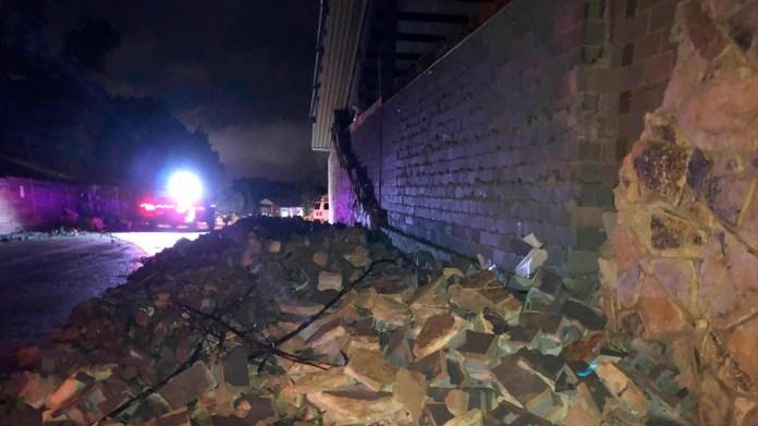 3 dead after violent tornado strikes Missouri capital